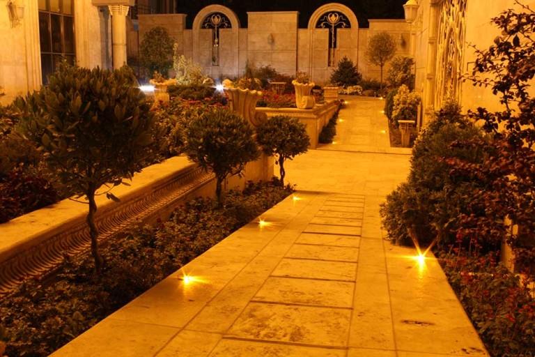 شرکت نورپردازی فاد - فضای سبز